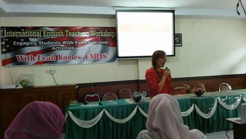 Workshop international Pembelajaran bahasa inggris yang menyenangkan di MAN 2 Model Makassar